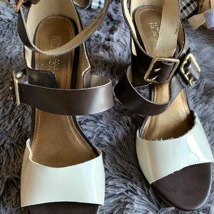 Kenneth Cole heel sandals